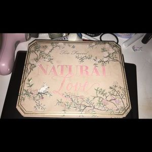 Too faced Natural Love pallet